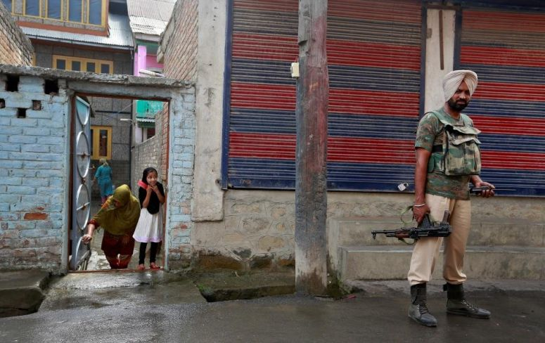 Militants Are Pressurising Locals To Help Them Sneak Into Kashmir, Says CRPF
