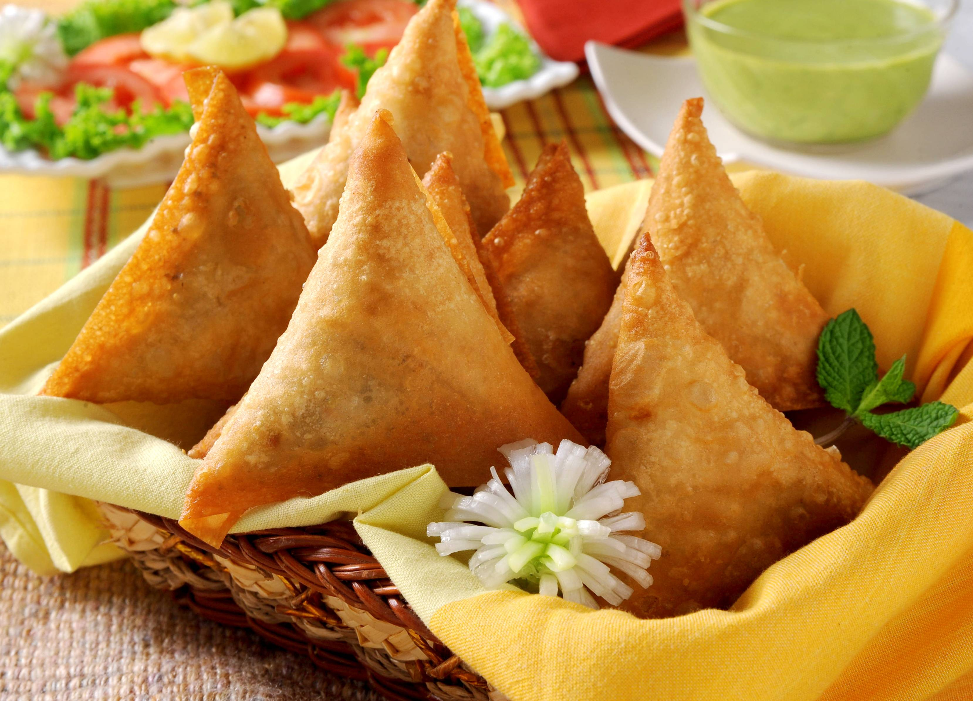 18 Signs That You Can't Live Without Samosas | Pikspost