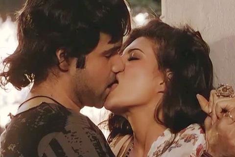 Imran hashmi sexy kiss